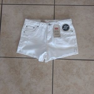 Nwt distressed Levis high rise shorts